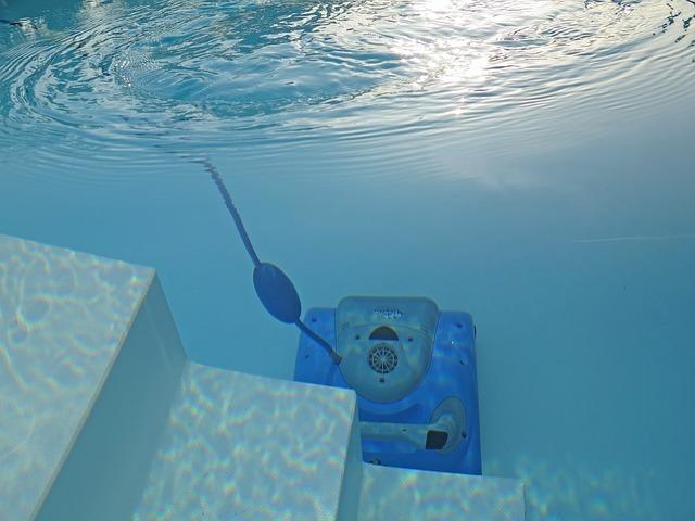 čistič bazénu.jpg