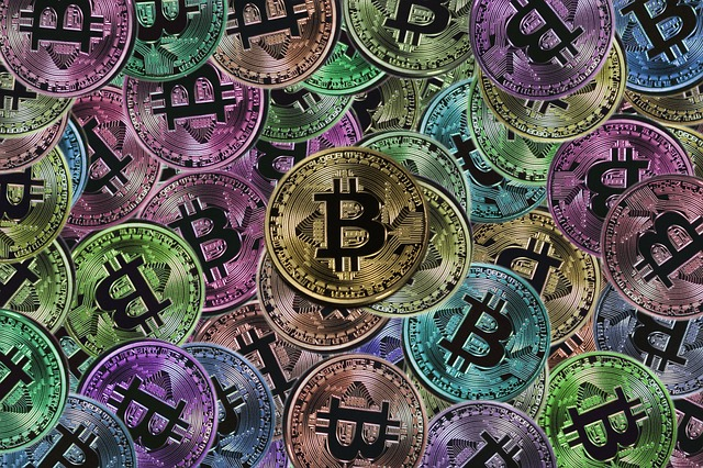 spousta bitcoinů